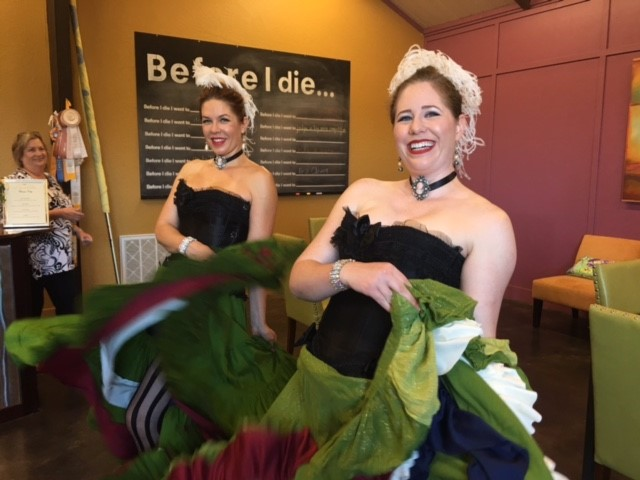 2 Can Can dancers entertaining the bloggers attending the Wine Bloggers 2016 Conference